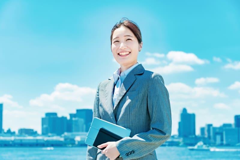 正社員の女性